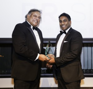 MR LEE KARU QC PRESENTING MR THUSHARA POLPITIYE OF ASTUTE HR LIMITED, THE WINNER OF THE LEGAL CATEGORY